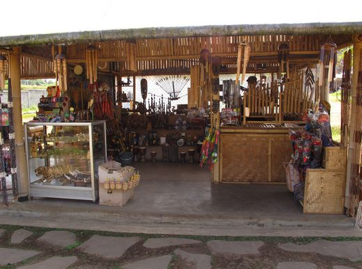 Happy Farm - souvenir shop