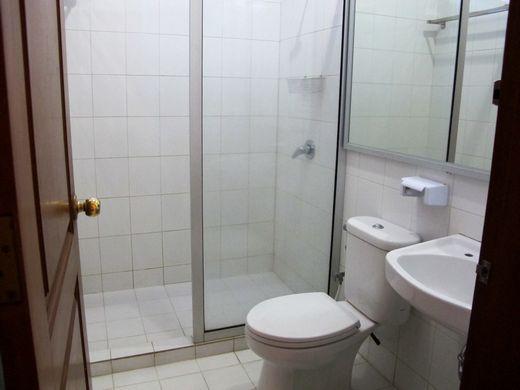 Progo Hotel - kamar mandi di kamar Big Family