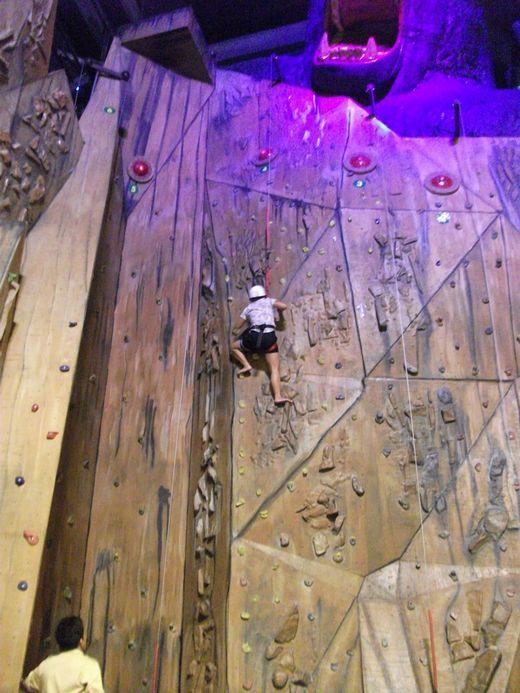 Trans Studio Bandung - Kong climb